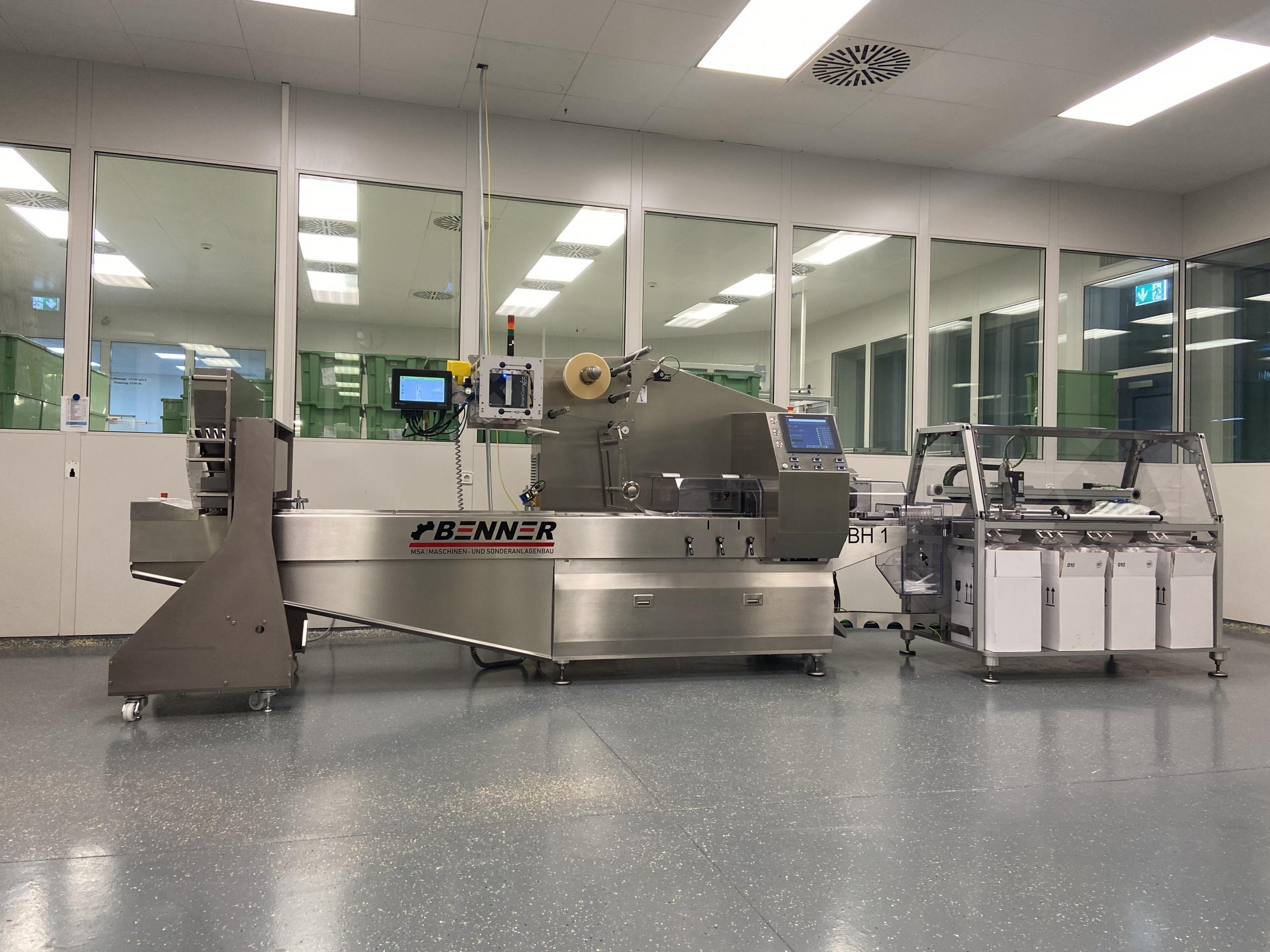 Schlauchbeutelmaschine(Flowpack) SBH1 mit Zuführung und Zählautomat Pharma 08